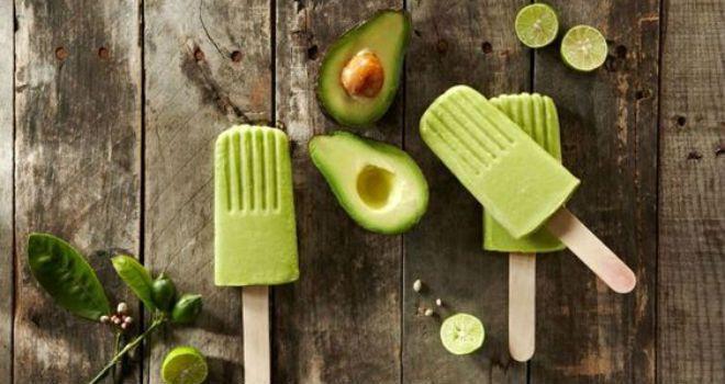 Recetas naturales: Paletas heladas de aguacate y limón