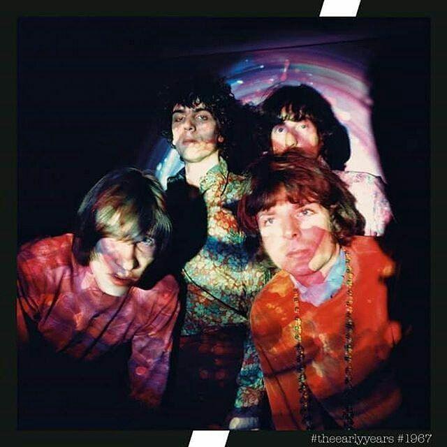 Menyambut Record Store Day pada 15 April mendatang band british rock Pink Floyd akan merilis sebuah album dalam format vinyl. Dalam piringan hitam berdiameter 12 inchi tersebut instrumental musik berjudul 'Interstellar Overdrive' berdurasi 14 menit 57 detik dihadirkan ke dalam set box album ini yang dilengkapi juga dengan poster dan postcard berlatar foto klasik suasana saat proses rekaman mereka. Rencananya album vinyl ini akan didistribusikan tepat pada perayaan Record Store Day…