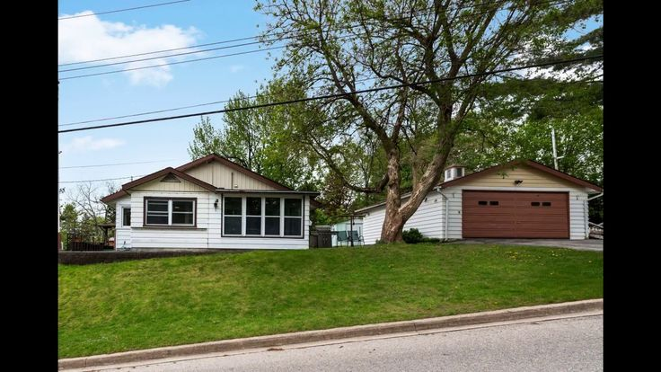 188 Sixth St, Midland ON L4R 3X9, Canada Corner Lot Bungalow For Sale in #Midland with View of The Bay! #Realestate Watch the virtual tour for 188 Sixth St.  Contact Team Hawke Brokerage at 705-527-7877 or www.teamhawke.com for more details or to book a private showing for this property