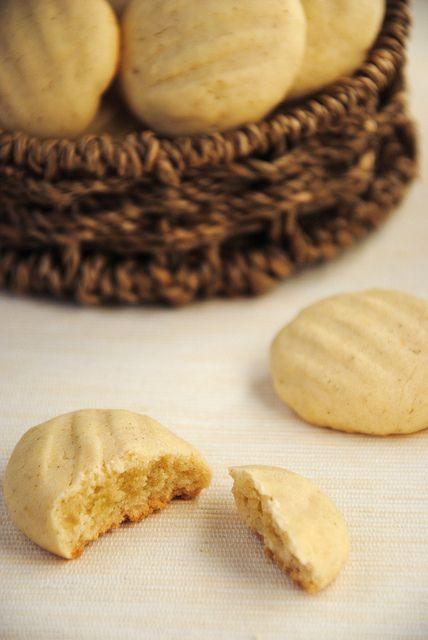 Не так давно увидела у i_lara рождественское печенье «Melting moments» и конечно же оно меня заинтересовало! Со дня покупки кукурузного крахмала (после долгих поисков) я…