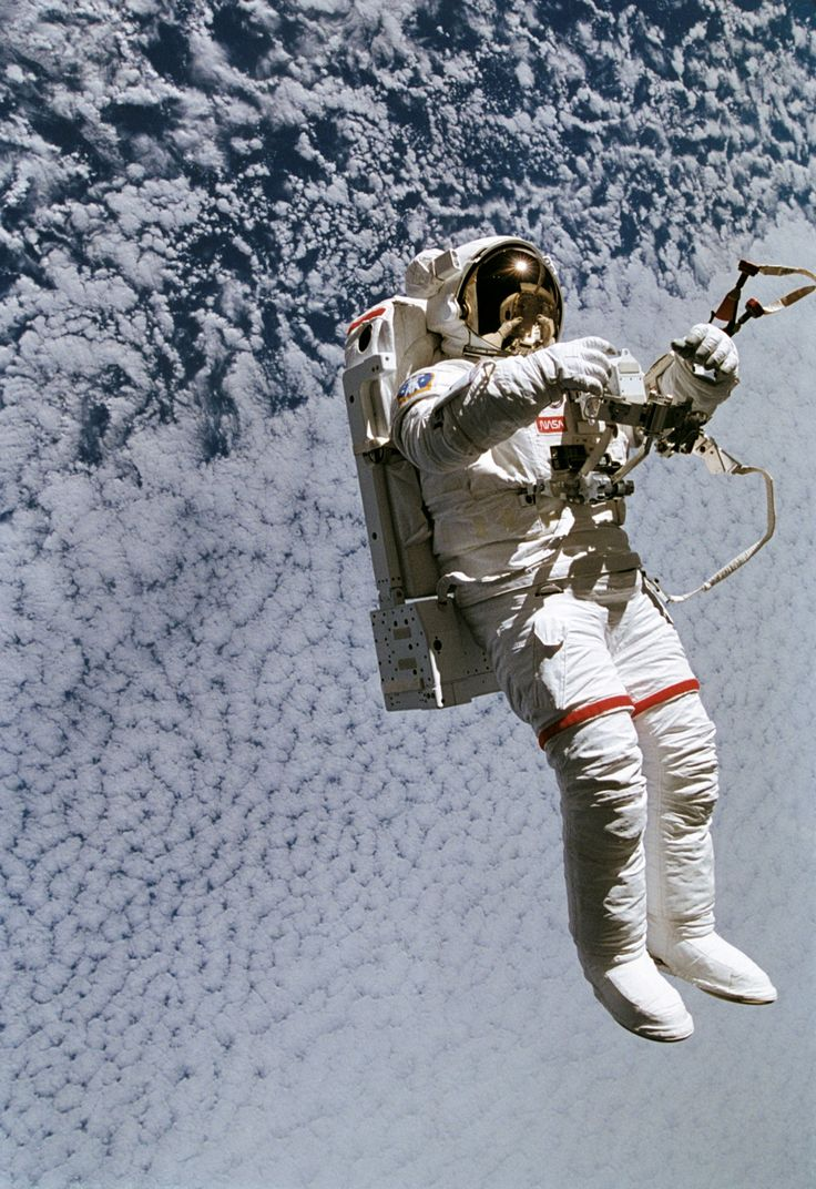 Mark Lee floating 130 nautical miles above the Earth during space shuttle mission STS-64 on September 16, 1994. (NASA).