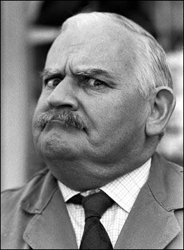 Open all Hours ~ Adore Ronnie Barker as Arkwright