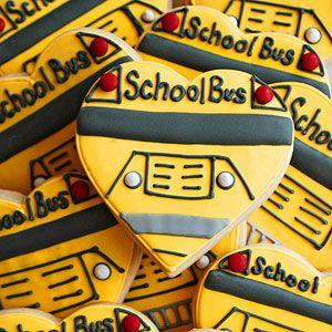 School Bus Cookies | via thebakingsheet.blogspot.com Back to School Party
