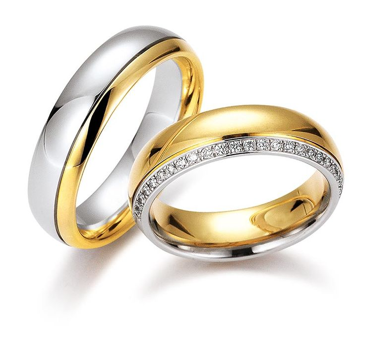 Rings in 18 Karat Gold set with diamonds