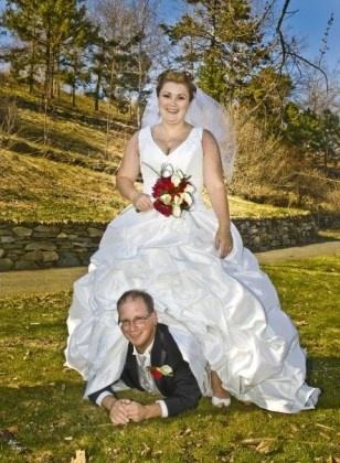 Awkward wedding photos [Photos]   MyFOX8.com