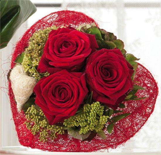 bouquet amoureux rose rouge passion avec calice en sisal. Black Bedroom Furniture Sets. Home Design Ideas