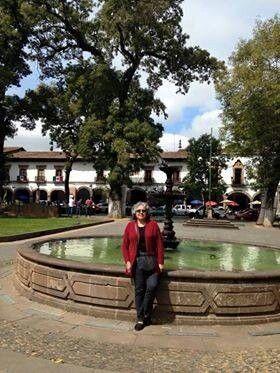 Rossy Garcia en un paseo en Mexico, con una ANINA en cuero negro convierte su look de clasico y fresco a sofisticado y le permiten ir comoda para disfrutar de un dia soleado, gracias Rossy por llevar el arte Colombiano y darlo a conocer en tu pais!!!!