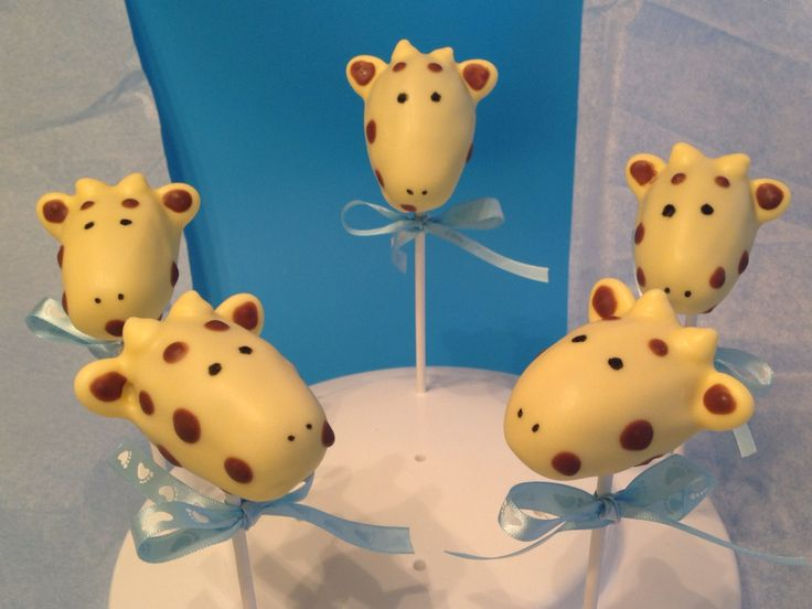 Giraffe Cake Pops perfect for a baby shower from Sugar and Spice Cake Pops! #cakepops #giraffes #babyshower
