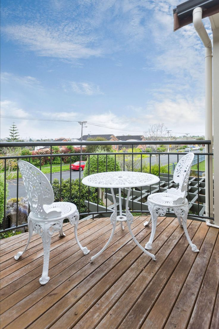 23A Temple St Meadowbank, Make This Your Temple ! http://www.barfoot.co.nz/530965
