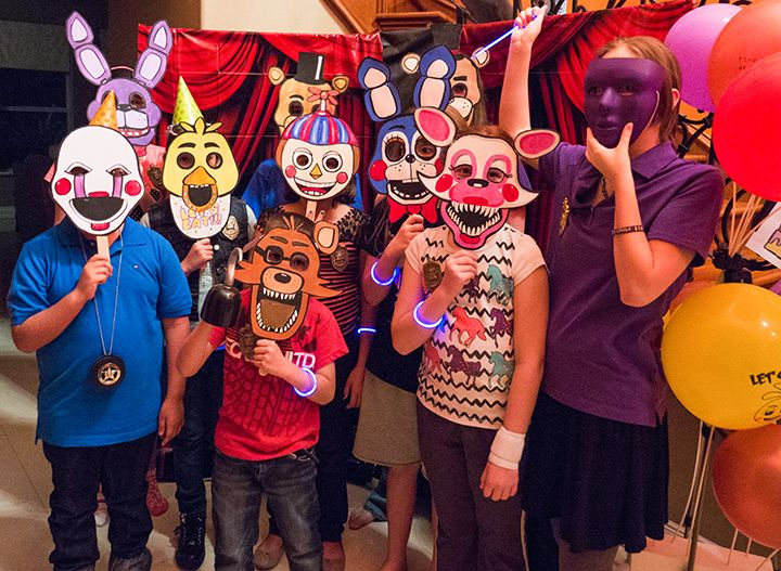 FNaF photo for party favors