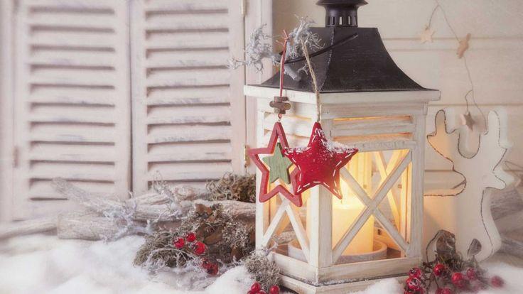 Excelentes ideas para decorar e iluminar con faroles. En la época decembrina, uno de los aspectos más importantes suele ser la iluminación.Y no me refiero únicamente a la iluminación del árbol o del jardín, podemos utilizar otros complementos para lograr una iluminación navideña muy original. Uno de esos elementos son los faroles. Si tienes la …