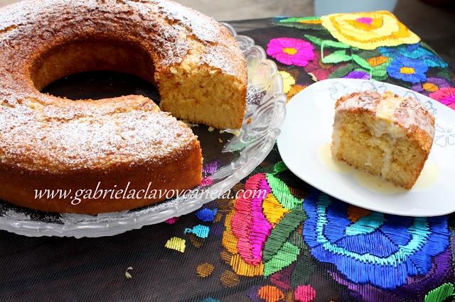 Gabriela, clavo y canela: Rosca de elote con salsa de rompope