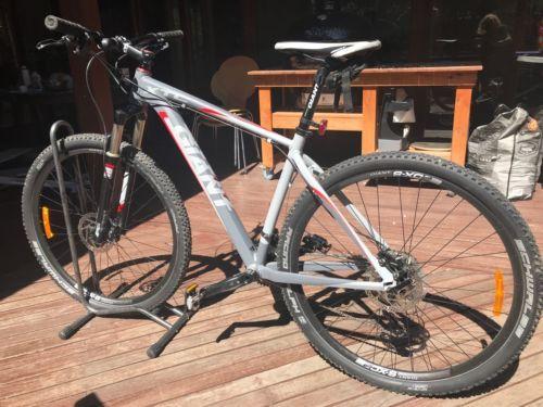 Giant XTC 29er Mountain Bike Large