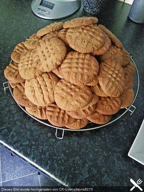 Peanutbutter Cookies. Tried them today - they taste oh so gooooood!