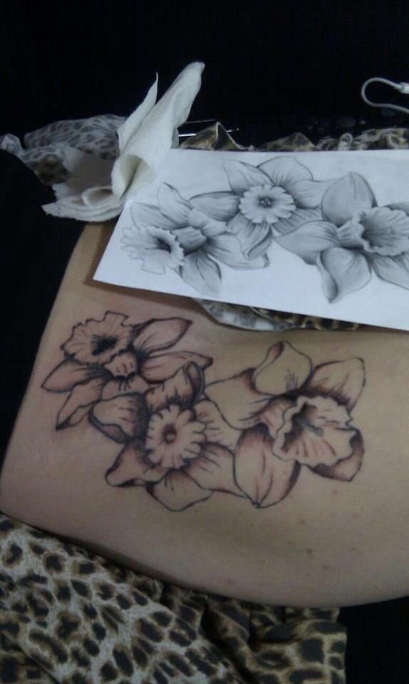 Daffodil | March Birth Flower | Tattoo Ideas - shadowing in the sketch