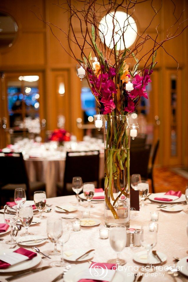 33-Westin-River-North-chicago-wedding-sweetchic-events-dayna-schroeder-vale-of-enna-tall-gladiola-willow-centerpiece.jpg (639×960)