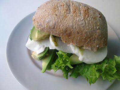 En verden af smag!: Sandwich med Mozzarella og Avocado