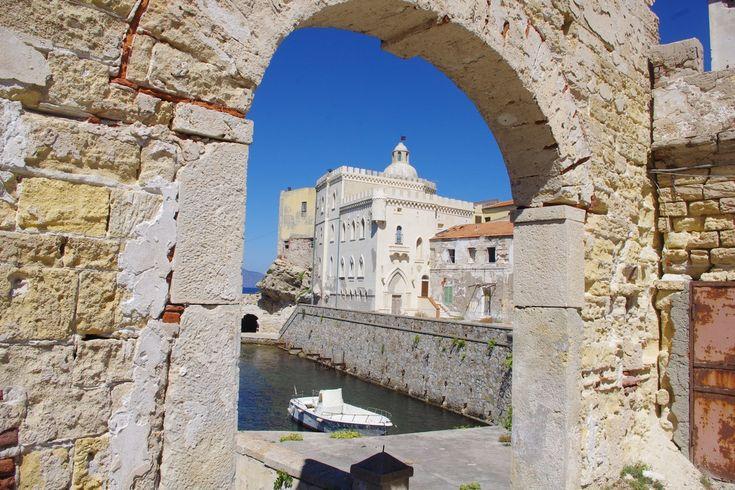 Un giorno sull'isola di Pianosa  www.brickscape.it – #BrickScape #turismoesperienziale #turismo #italy #pianosa #toscana #giglio #elba #montecristo #tuscany #toskana #italya #italien #italy #travel #travelblog #experiences #voyage #tourism #viaggiare #italiano #mare #tirreno #mediterraneo #mediterranean