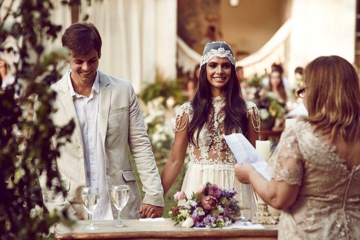 casamento boho - noiva com lenco na cabeça