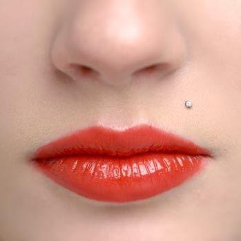 Piercing monroe, muche, madonna