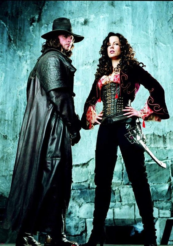 Van Helsing (Hugh Jackman), on order of a secret society, travels to Transylvania to bring down the lethally seducive, enigmatically powerful Count Dracula (Richard Roxburgh) and joins forces with the fearless Anna Valerious (Kate Beckinsale), out to rid