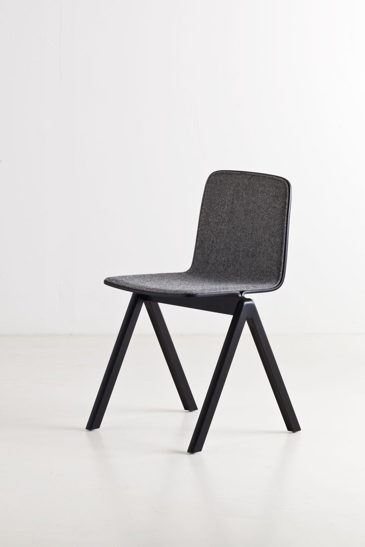 The Copenhague Chair with upholstery
