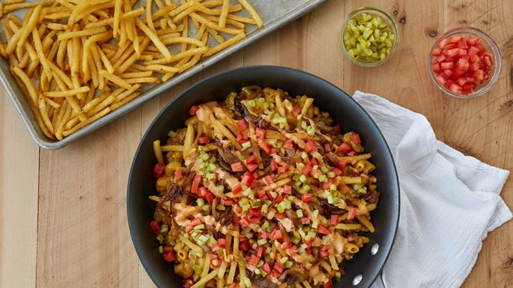Feel the California love with this yummy cheeseburger mac riff on the west coast drive-through classic.