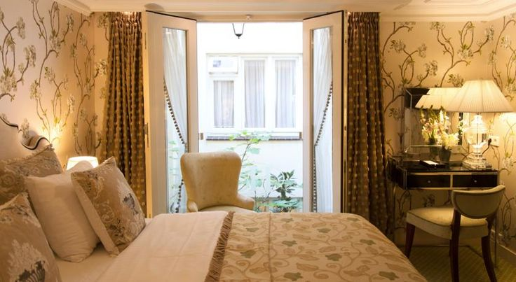 Read the Hotel Estherea, Amsterdam hotel review on Telegraph Travel. See great photos, full ratings, facilities, expert advice and book the best hotel deals.