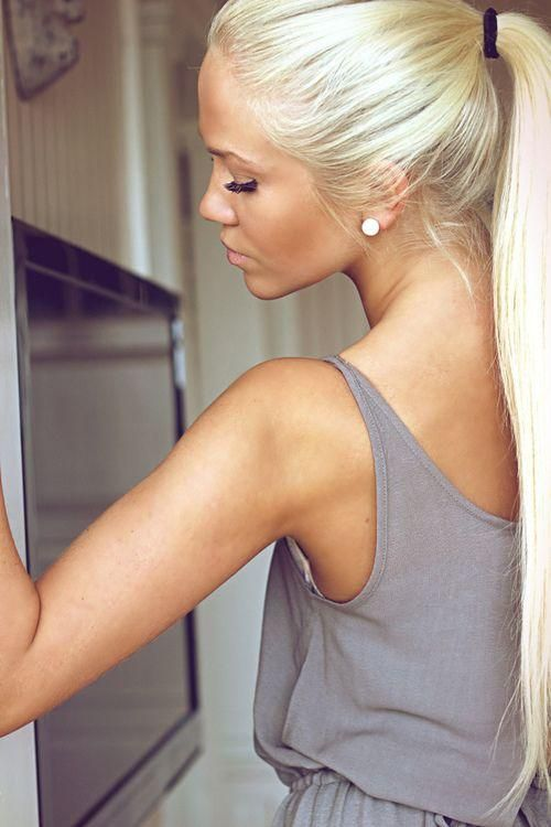 Light Blonde Ponytail - Hairstyles and Beauty Tips