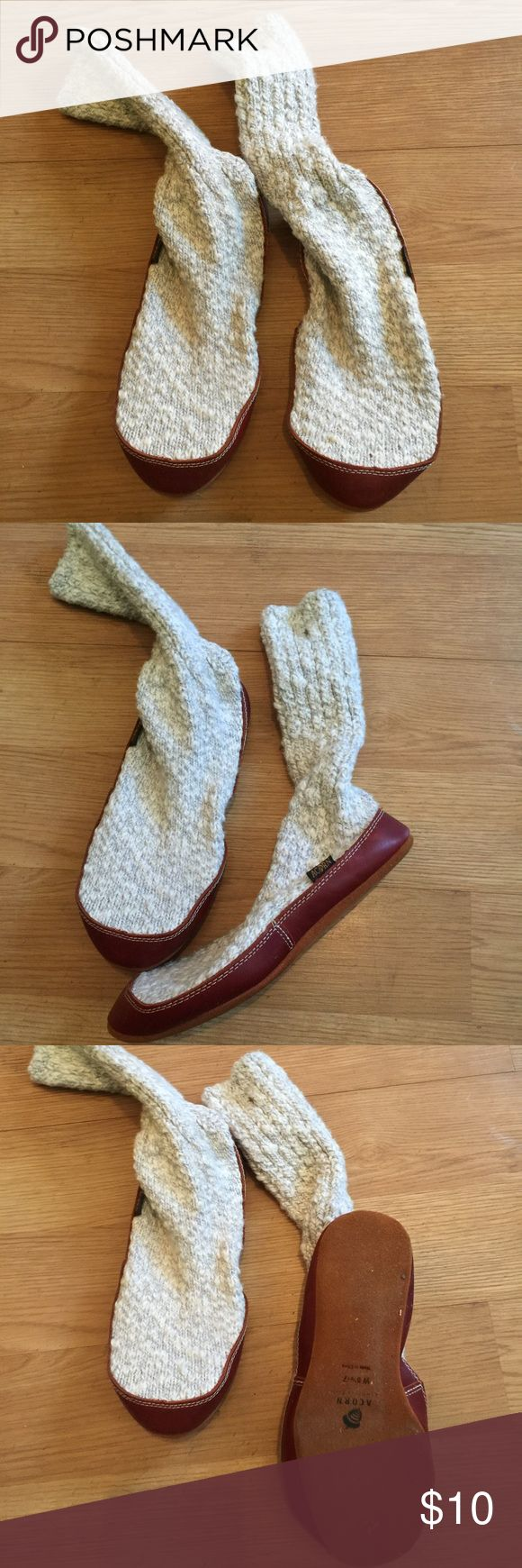 Acorn slipper boots. Cloth acorn slipper sock boots. Can fit size range 5 1/2 to 7. Shoes Moccasins