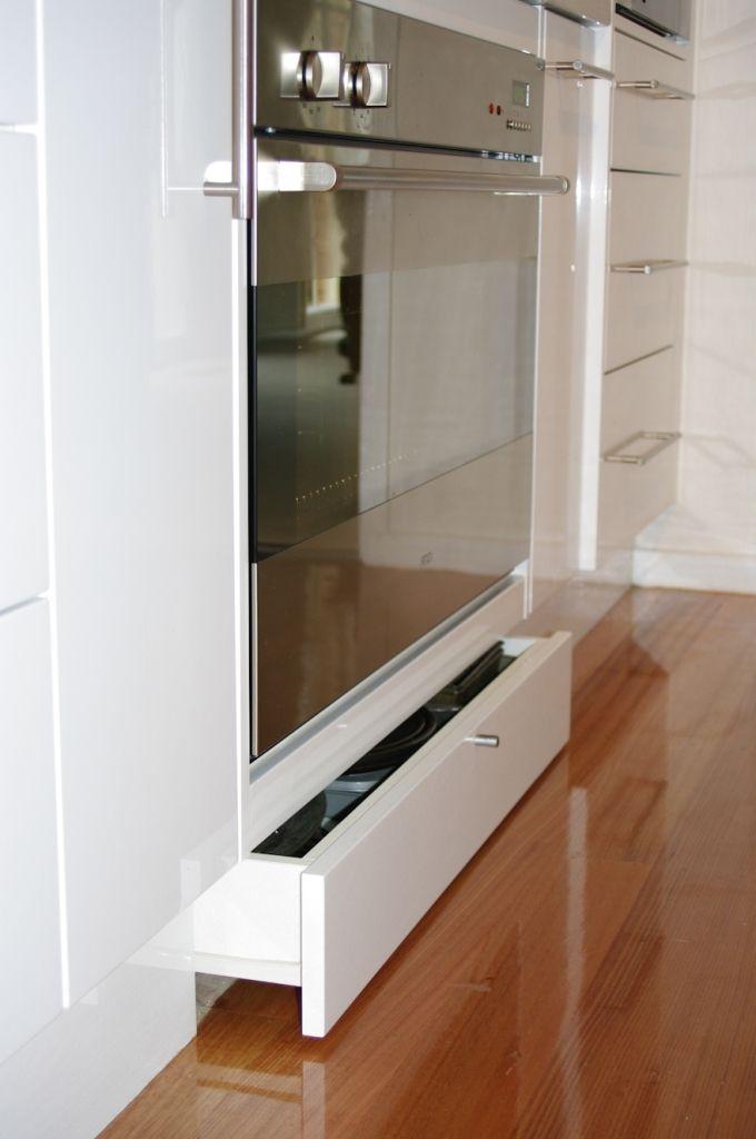 Modern Kitchen Gallery - Direct Kitchens