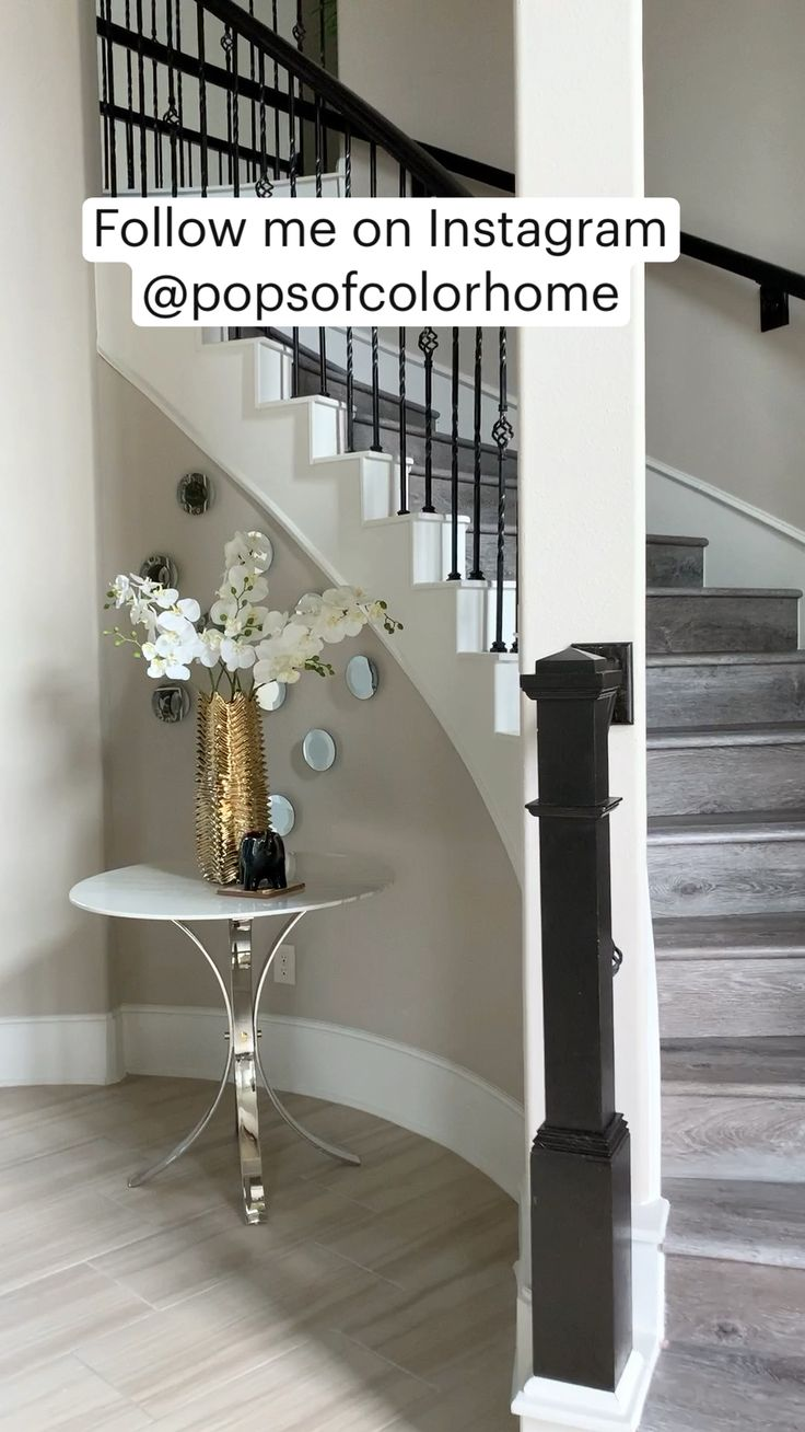 Luxury Interior Design, Modern Interior, Diy Home Interior, Paint Colors For Home, House Colors, Home Improvement Projects, Vintage Style, Vintage Fashion, Entryway