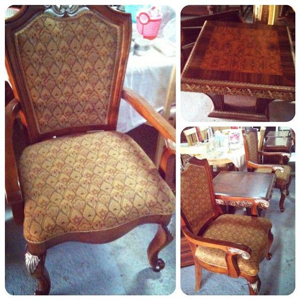 للبيع 3 كراسي كلاسك مع طاولة سنتر فخمة بحالة جدا ممتازة السعر 90 Bd Furniture Home Decor Decor