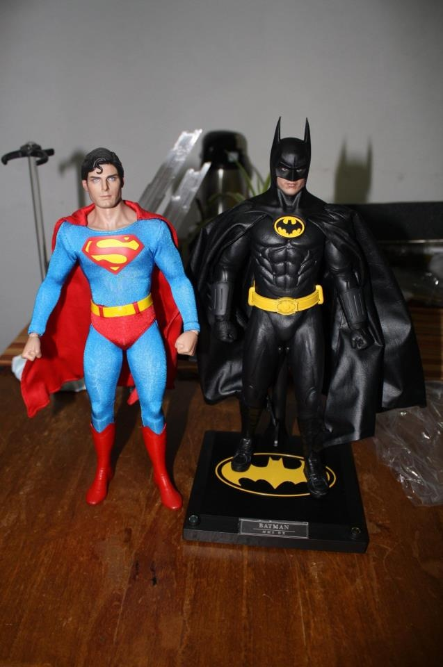 Hot Toys Superman 1978 Christopher Reeves  Hot Toys Batman 1989 Keaton