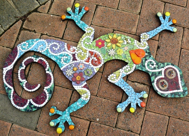 Mosaic Gecko by Glasshoppers https://www.facebook.com/glasshoppers.stained.glass