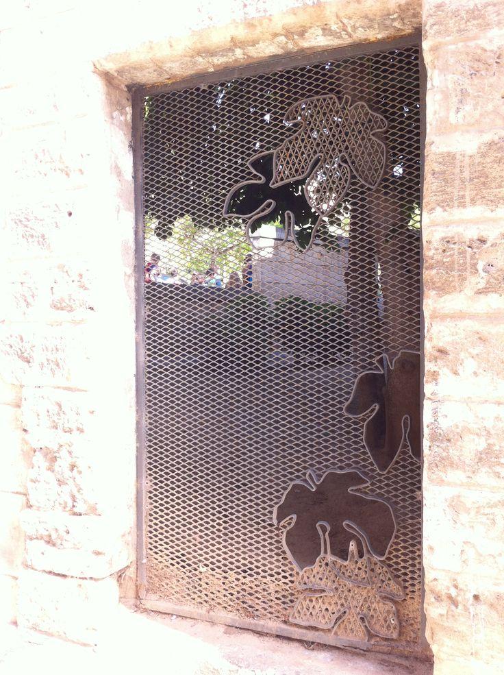 Bewerkt stalen frame, als hek of deur