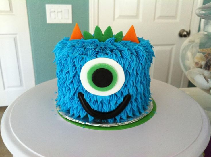 Little monster cake by Kim Ellis.