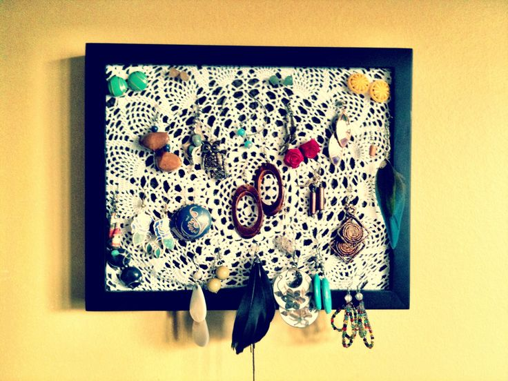 Marlae's homemade earring holder, I need to try this!