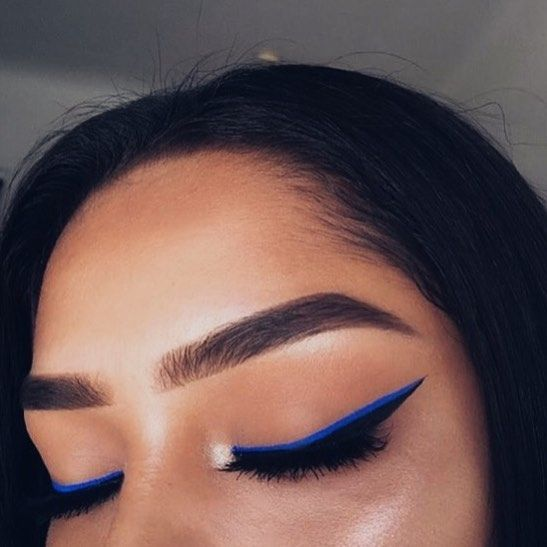 sharp eyeliner  #makeupgoals #eyeliner #blueeyeliner