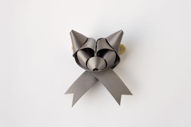 Fox ribbon <3: Night Foxes, Ribbons Sculpture, Ribbons Animal, Silver Foxes, Foxes Bows, Ribbons Foxes, Baku Maeda, Foxes Ribbons, Frosty Night