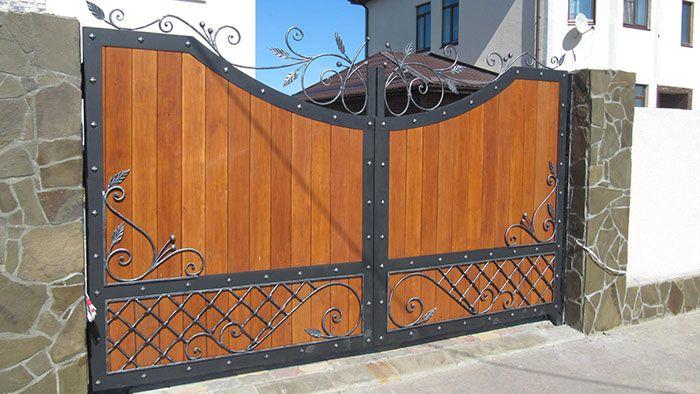деревянные ворота усиленные металлом