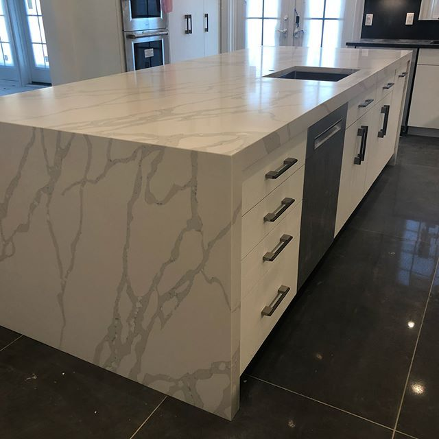 Wow Just Wow Heart Stopping Unbelievable Island Countertop We