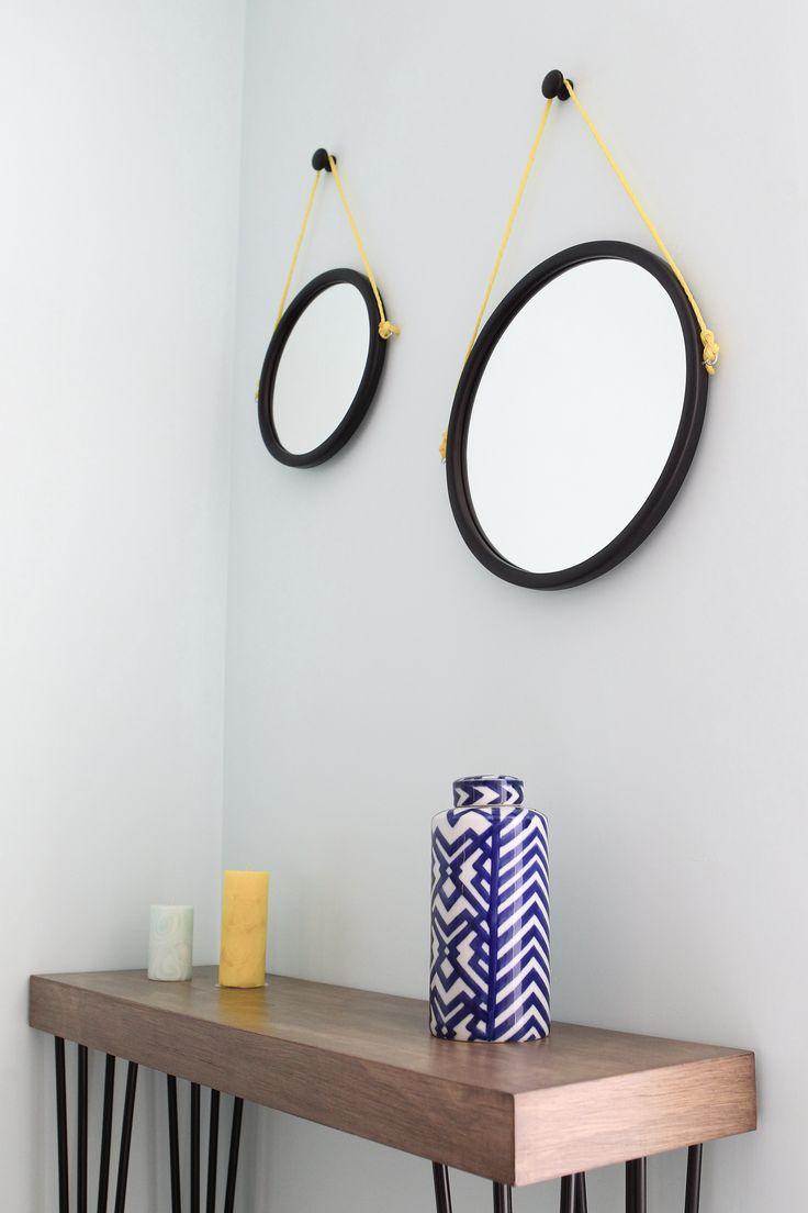 Credenza con patas de herrería y espejos redondos, #espejosredondos,#mirror,#woodtable