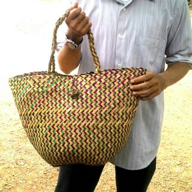 Temukan dan dapatkan Tas Purun Oval Besar hanya Rp 85.000 di Shopee sekarang juga! http://shopee.co.id/borneoethnic/126533911 #ShopeeID