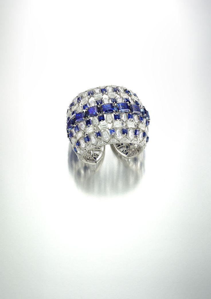 Fantastic setting ! 18k white gold, kashmir sapphire & diamond bracelet // bogh-art