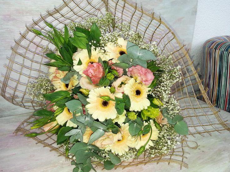 germini and lisianthus bouquet- #florariamiozotis