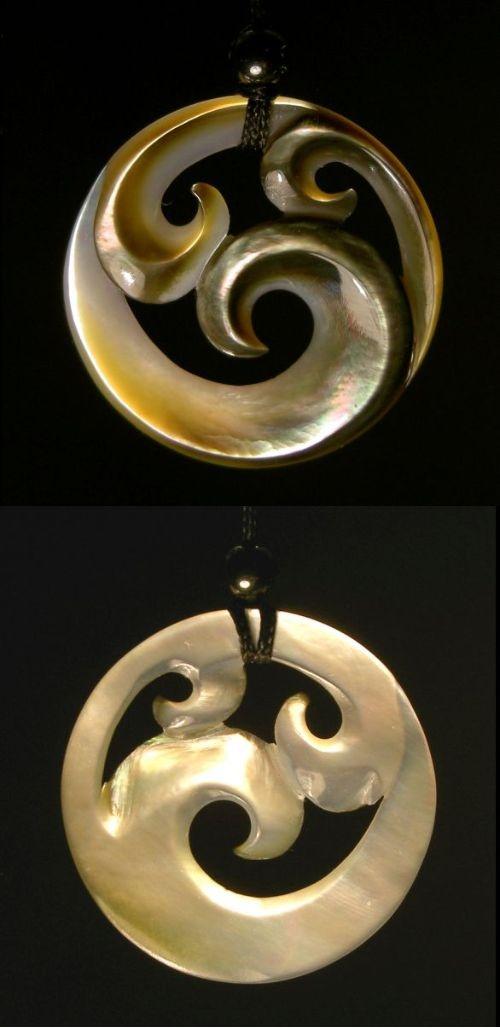 Triple Koru-represents peace, tranquility, personal growth, positive change & awakening.