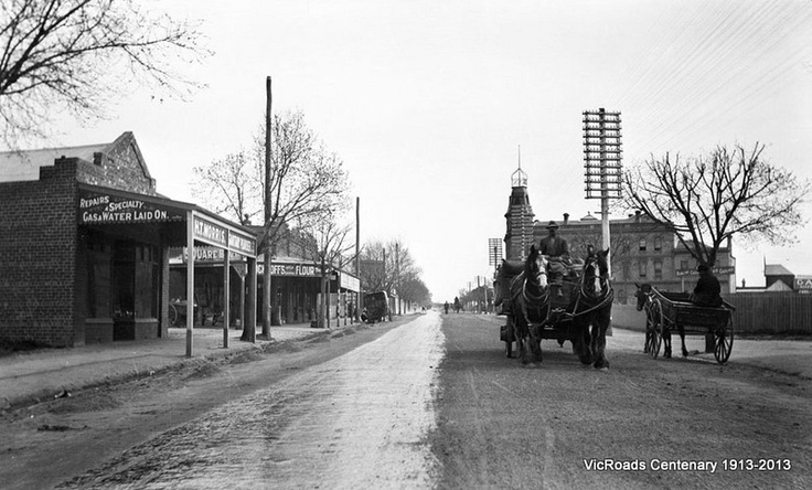 1914 Main Healesville Road first test of Horrocks Roxborough's 900 gallon tar sprayer. VicRoads Centenary 1913-2013.