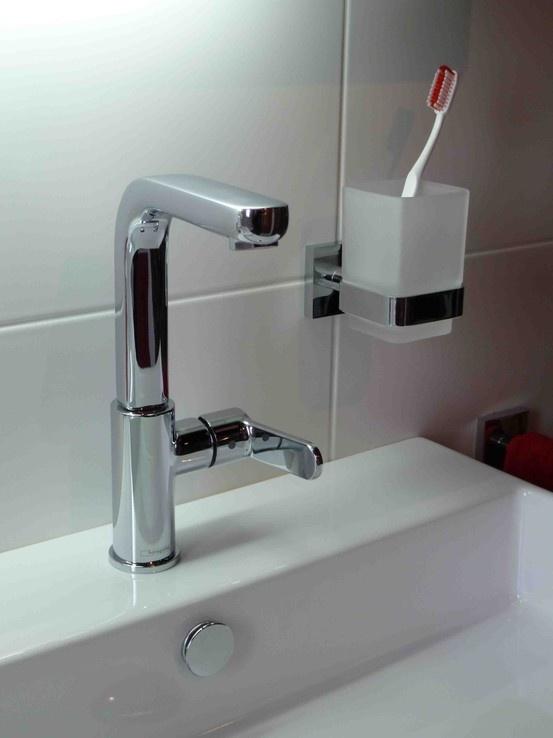 17 beste afbeeldingen over badkamer op pinterest rond de wereld toiletten en grote douche - Een mooie badkamer ...