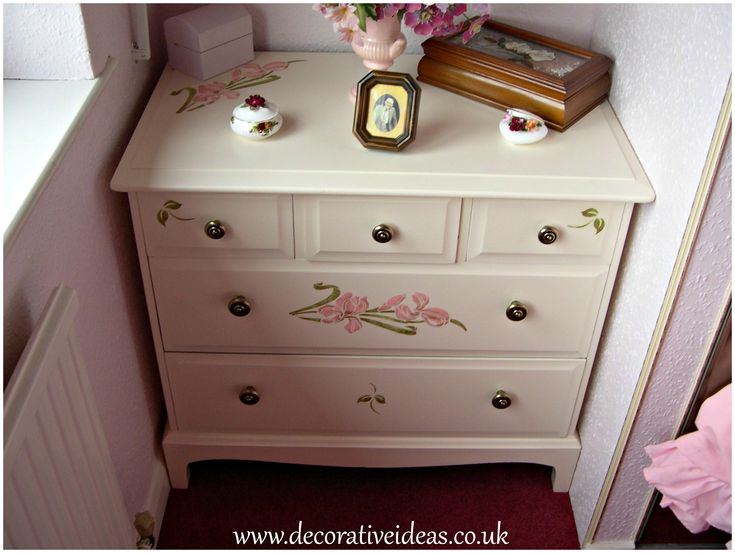 Painted in Dulux Eggshell in Magnolia with flower stencils by http://www.decorativeideas.co.uk
